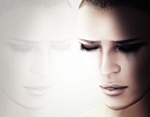 Parallele Spiegel zwischen dir und mir